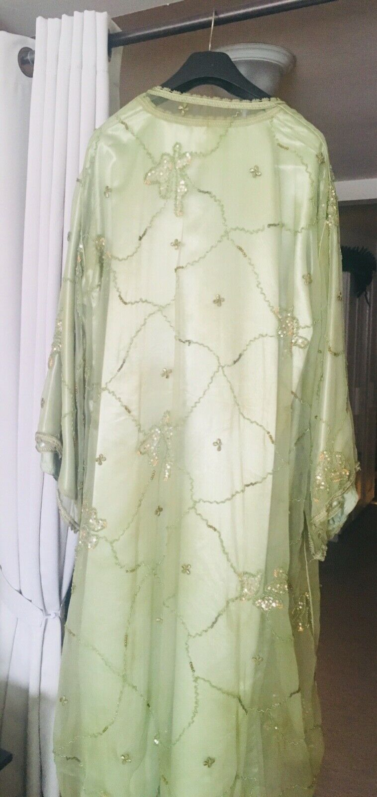 SALE     Mgoldccan dress, only worn worn worn 2 times, size 30-32. Handmade beautiful. 2e1270