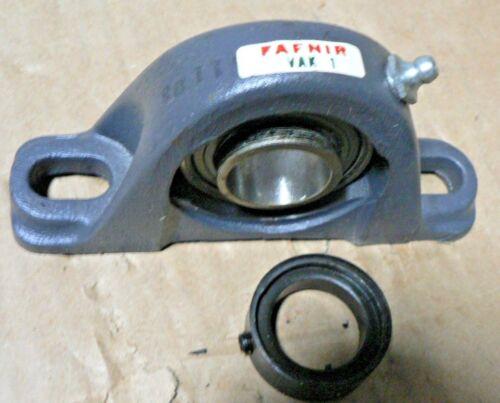 Bore New in box  Fafnir VAK1 Pillow Block Bearings 1 in PAIR