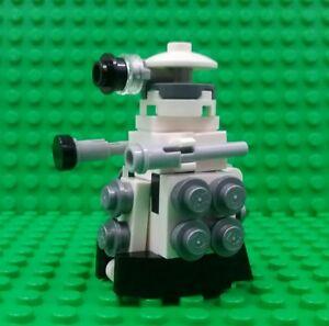 *NEW* Lego James Bond 007 Minifigure Figure Black Gun Fig x 1