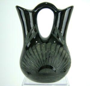 Southwest-Pottery-Wedding-Vase-Black-on-Black-Etched-Art-Sunburst-Signed-8-034