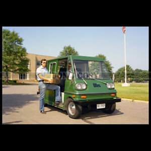 Photo A.023560 OTIS ELECTRIC MAIL TRUCK 1974