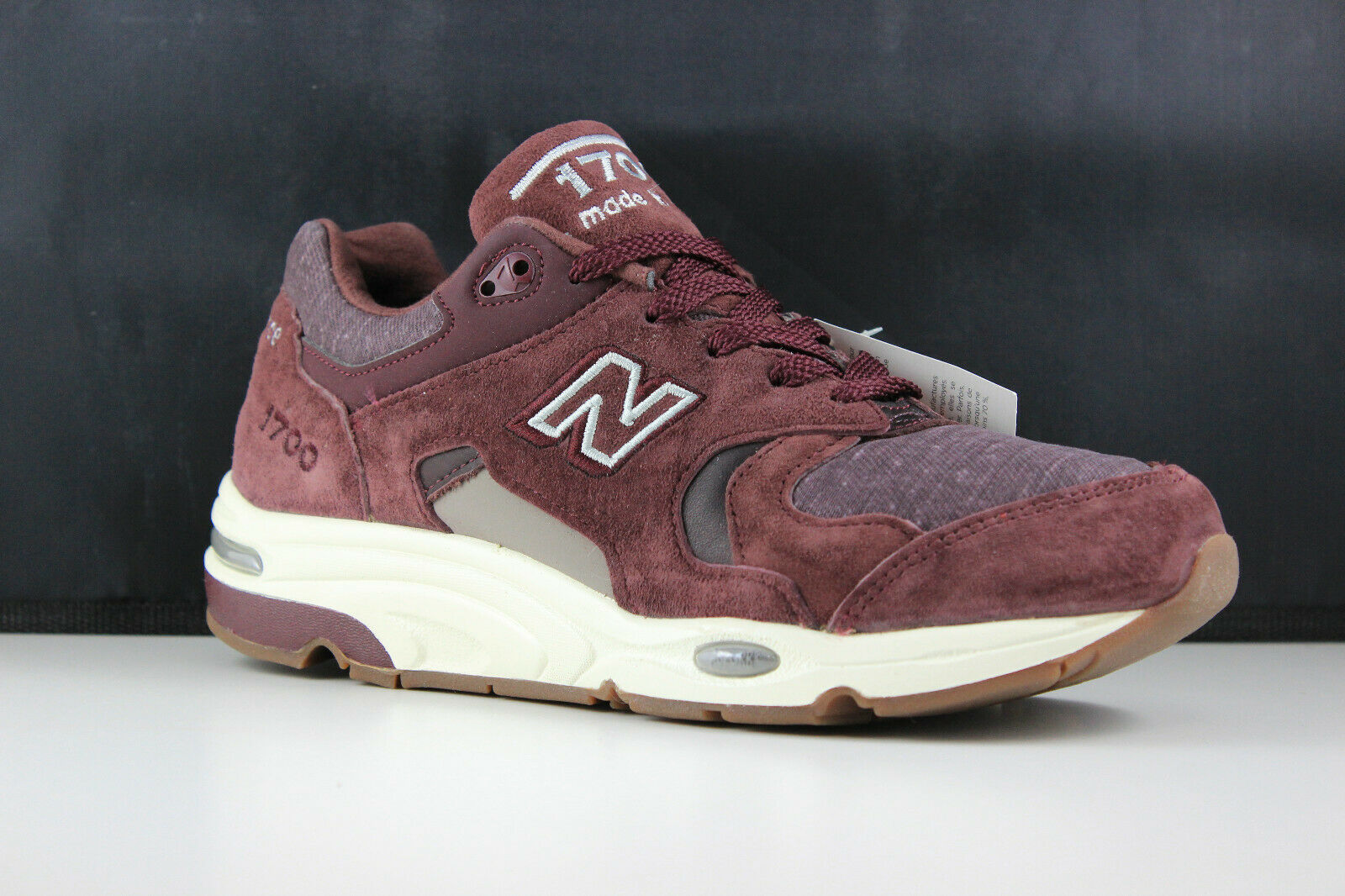 New Balance Size 9.5 Mens Purple M1700DEA