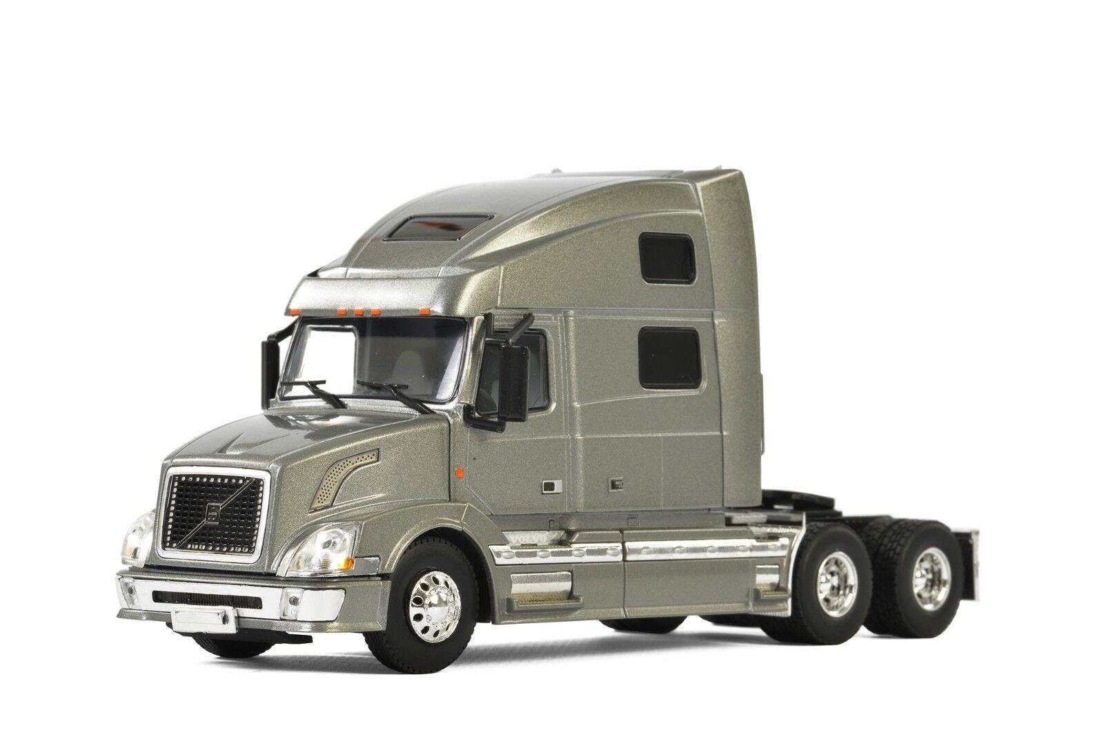 tienda en linea Nuevo WSI 33-2030-03 Volvo VN780 3-Axle Tractor Tractor Tractor con Sleeper-Plata 1 50 Menta en caja  estar en gran demanda