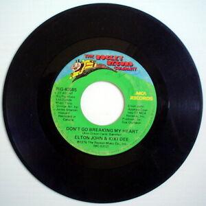 1976-039-S-45-R-P-M-RECORD-ELTON-JOHN-amp-KIKI-DEE-DON-039-T-GO-BREAKING-MY-HEART