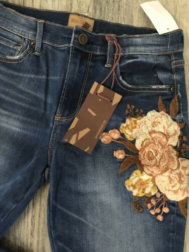 Women/'s DRIFTWOOD Jackie Floral Embroidered Distressed Denim Jeans NWT