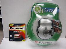 Fuji Q1 2x Zoom APS Camera W/Flash +  New Battery & 1 Roll Fuji 200 25 APS Film