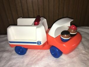 Vintage-3-Lot-LITTLE-TIKES-AMBULANCE-amp-2-PEOPLE-Vehicle-Toy-Tykes-Rescue-EMS