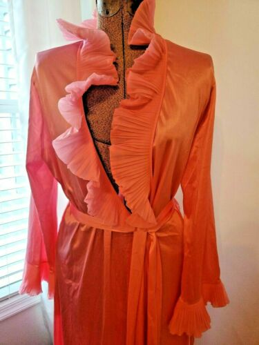 NWT Vintage 1950s Hollywood glam Vanity Fair robe