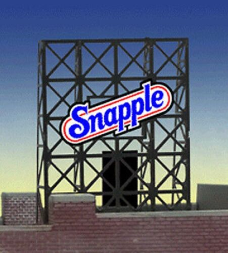 N Scale - Miller Engineering - 33-8905 - Structure, Billboard - Painted/Unlettered - Snapple