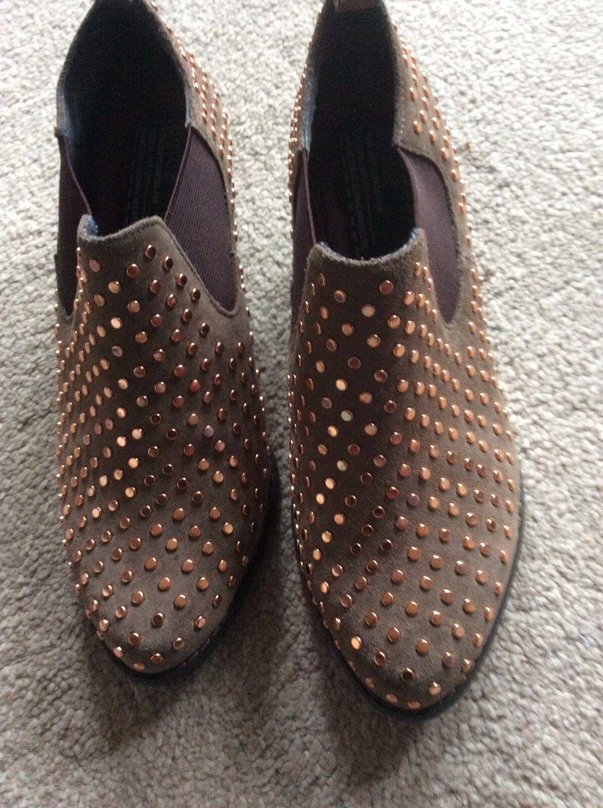 Ladies New Bertie  Boots Size 36