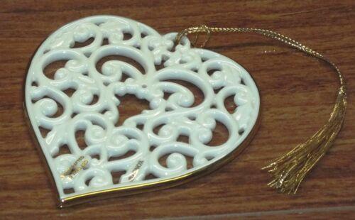 Lenox Handcrafted Victorian White Lace Designed Ceramic Heart Ornament *NEW*