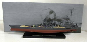 DeAgostini-1-1250-Scale-Warship-collection-IJN-Yamato-model-Ship-Plinth