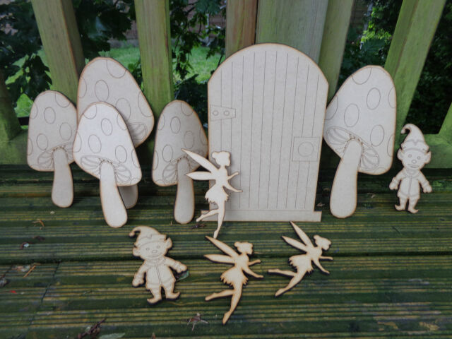 Large Fairy Door / Fairies / Elves / Toadstools Shed / Playhouse / Woodland Decs