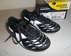 8d44b2f8ee3 Image is loading DIADORA-Jr-Capitano-MD-Black-White-Soccer-Cleats-