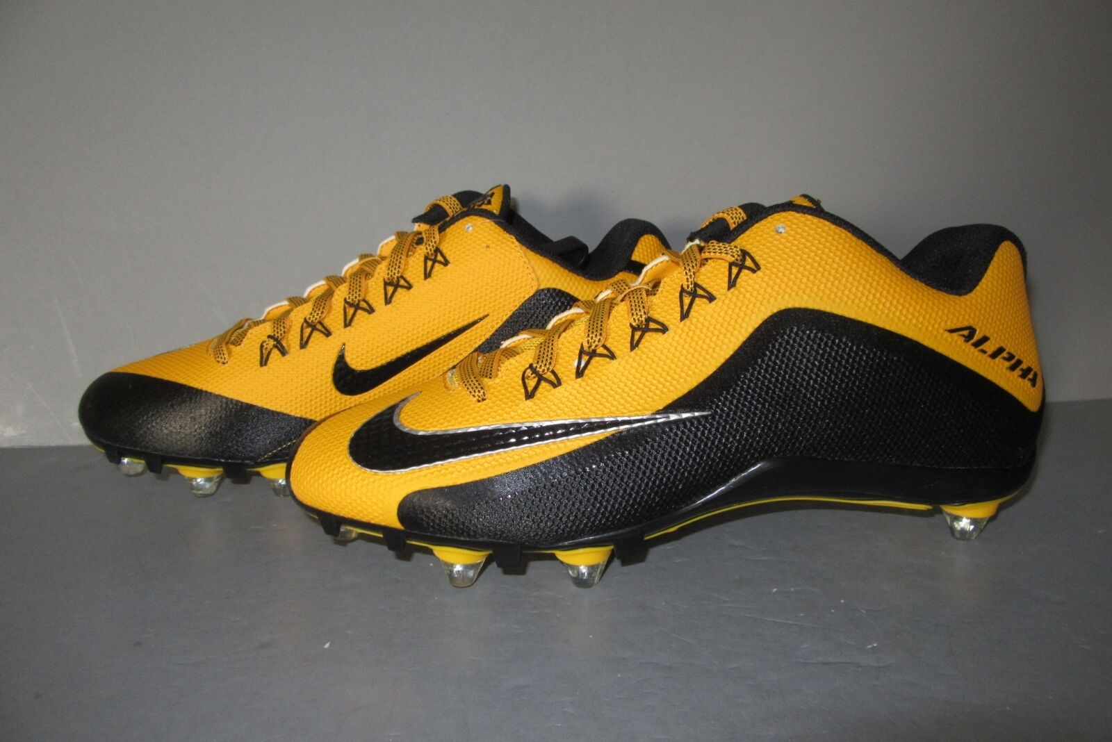 Nike Alpha Pro 2 D PF Football Detachable Cleats/Shoes Black/Gold Size 12