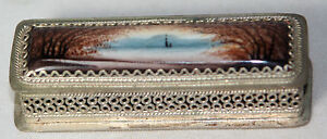 RaRe-Antique-SCENIC-ENAMEL-amp-METAL-LINED-NEEDLE-CASE-SEWING