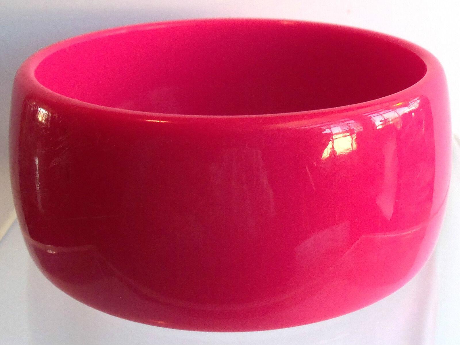 VINTAGE 60's Wide Hot Pink Thermoset Lucite Bangl… - image 1