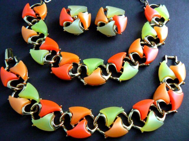 VINTAGE NECKLACE BRACELET EARRINGS SET FRUIT SALAD THERMOSET LISNER UNSIGNED