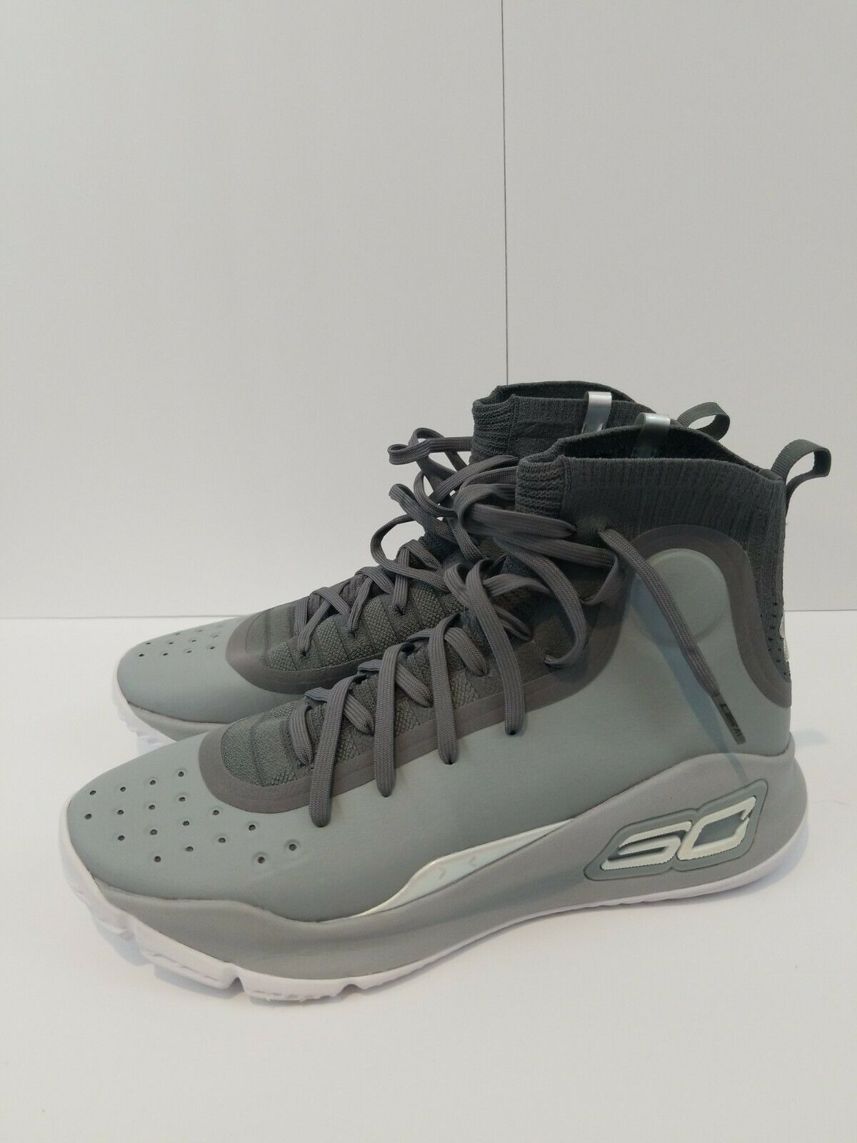 Under Armour UA Curry 4 Size 12 Grey