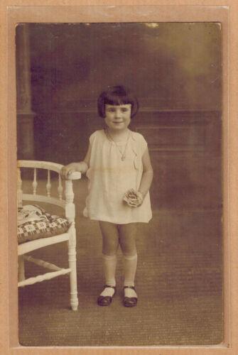 Carte Photo vintage card RPPC enfant fillette robe mode fashion kh063