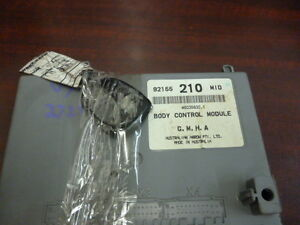 HOLDEN-COMMODORE-VY-VZ-WL-WK-BODY-CONTROL-MODULE-BCM-210-MID-AND-KEY-PAD-FOB
