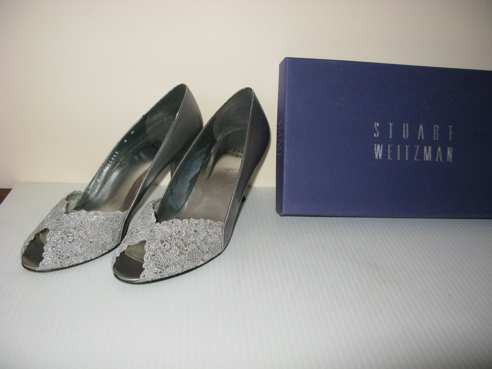 Stuart Weitzman Chantelle shoes  Silver in a Box size  8
