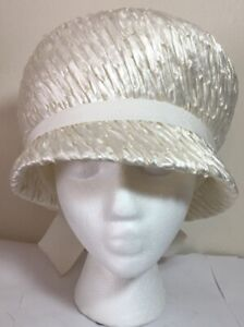 Vintage-Ladies-Off-White-Woven-Hat-w-Ribbon-by-JEAN-ARLETT-Exclusive-Creations