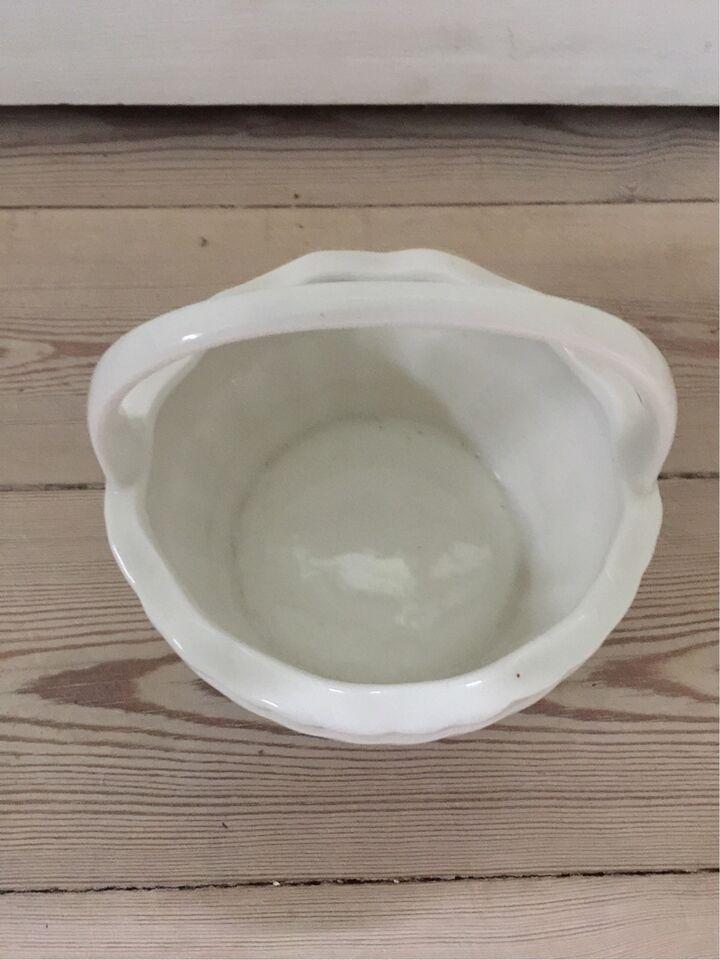 Porcelæn, Kurv med hank