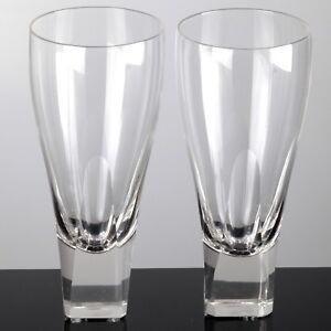 2-zarte-hohe-schmale-Becher-Glaeser-Aperitifglaeser-Vintage-Trinkglaeser-Quadrat