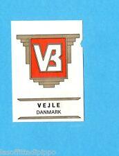 FOOTBALL CLUBS-PANINI 1975-Figurina n.66- VEJLE - DANIMARCA -SCUDETTO-Rec