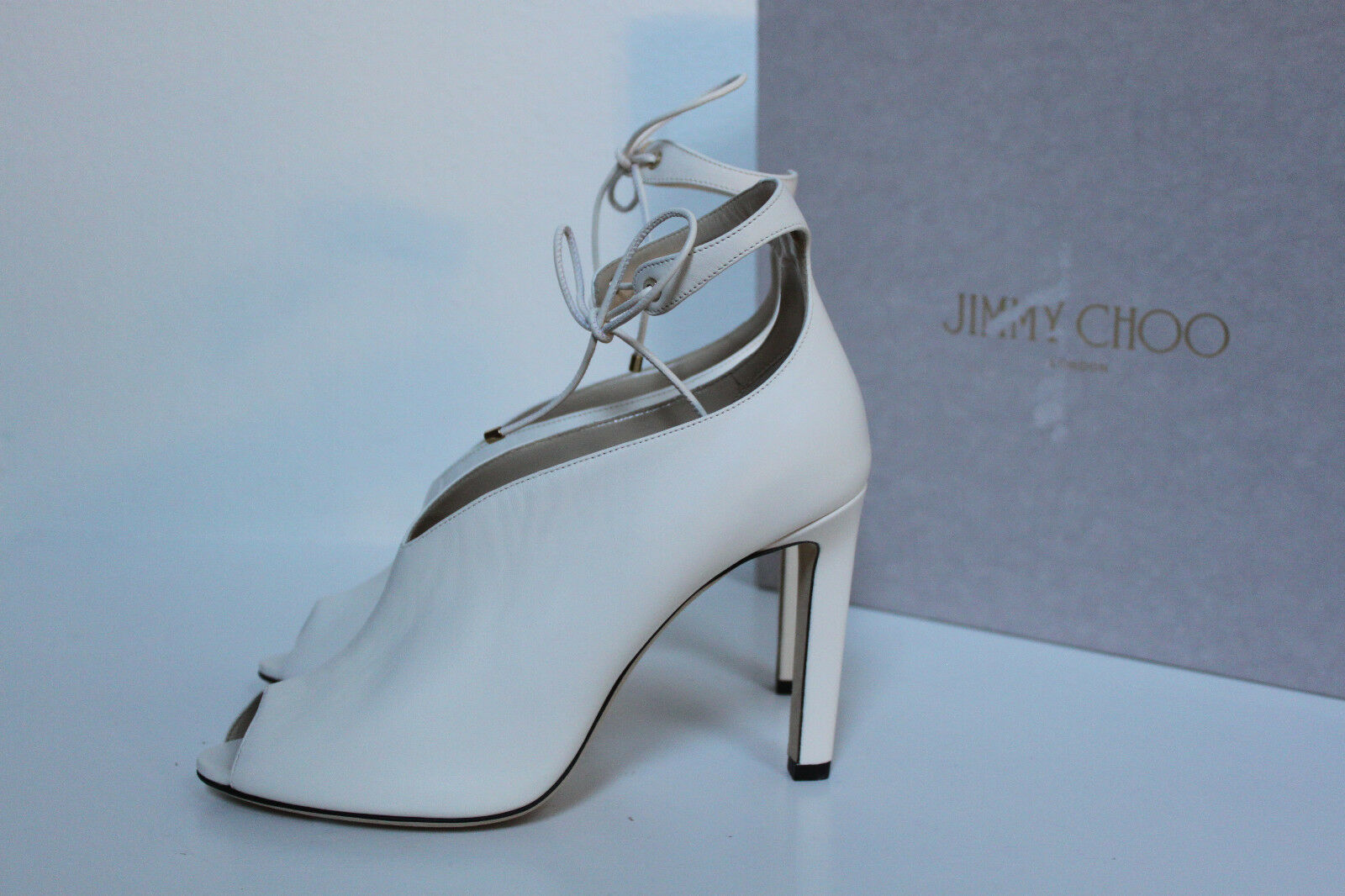 New sz 8.5 8.5 8.5   38.5 Jimmy Choo Sayra Weiß Leather Peep Toe Ankle Tie Stiefelie schuhe bb739a