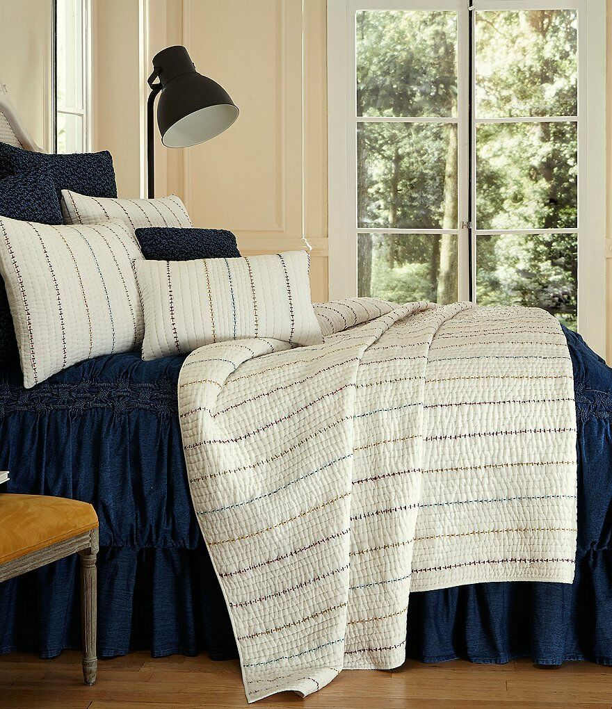 NIP Studio D Alexa White Linear Embroidered Stitched King Quilt Set 3pc