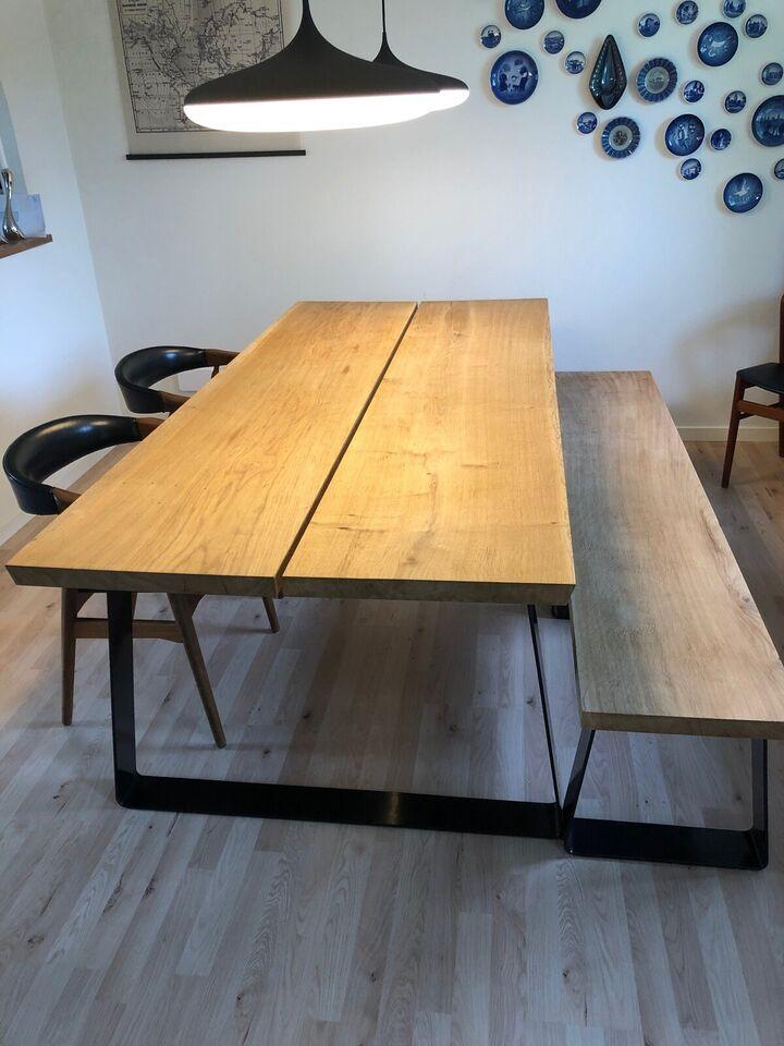 Spisebord, Voksbehandlet eg