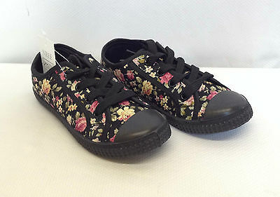 Chicas Floral negro encaje arriba Plimsolls Plimsoles Entrenadores bombas de los bebés tamaño 12-2