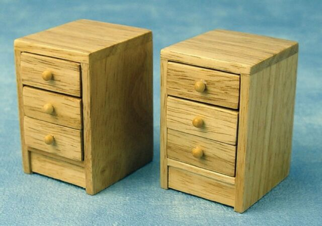 1//12th SCALE DOLLS HOUSE PAIR OF PINE WOODEN BEDSIDE CHEST OF DRAWERS