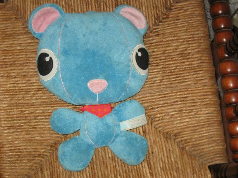 Frendz blu Flat Cat Plush V&D Warehouses Netherlands