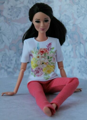 №293 Clothes for Barbie Doll T-shirt and Leggings for Dolls.