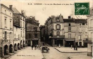CPA LOUDUN La rue des Marchands et la place (613174)