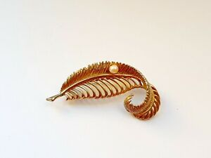 Vintage SPHINX Gold Tone Leaf Faux Pearl Jewellery Pin Brooch