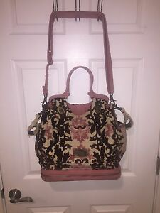 petunia pickle bottom cake society satchel diaper bag in pink and brown ebay. Black Bedroom Furniture Sets. Home Design Ideas