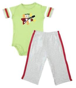 Carter-s-2-pc-Bodysuit-amp-Pull-On-Pants-Set-Daddy-s-Rock-Star-Size-9-months