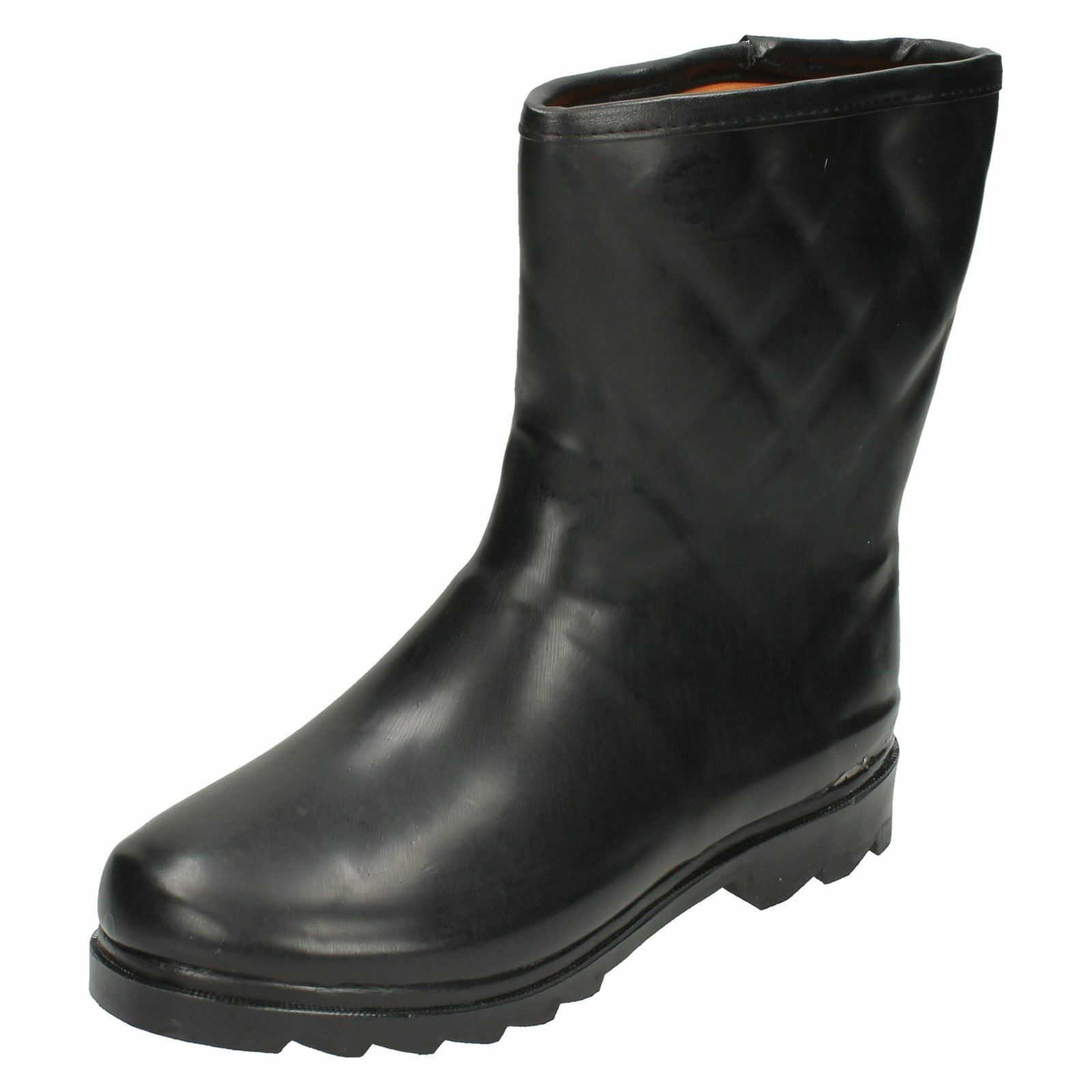 Ladies Spot On black wellington boots with padded inners X1082