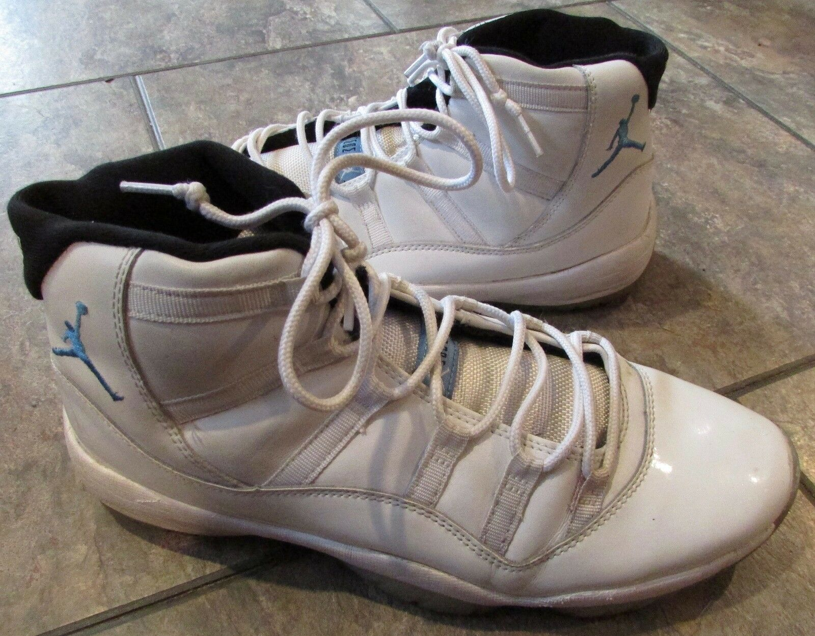 Air Jordan 11 Retro White/Legend Blue Size 11