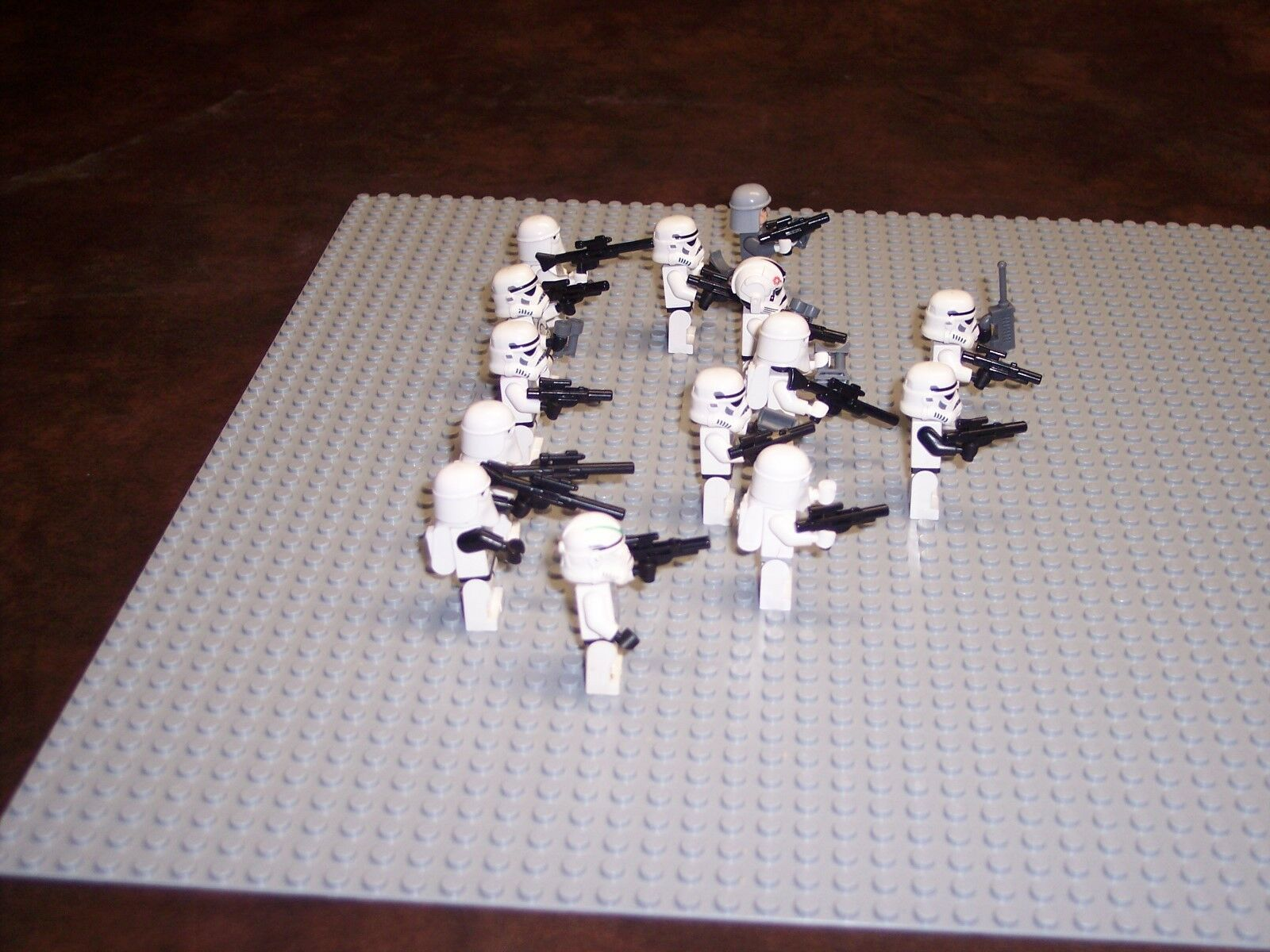 LEGO- STAR WARS- 13 STORM TROOPERS- 1 COMMANDER- LOT OF OF OF 14 -LIGHTLY PLAYED WITH 50d07f