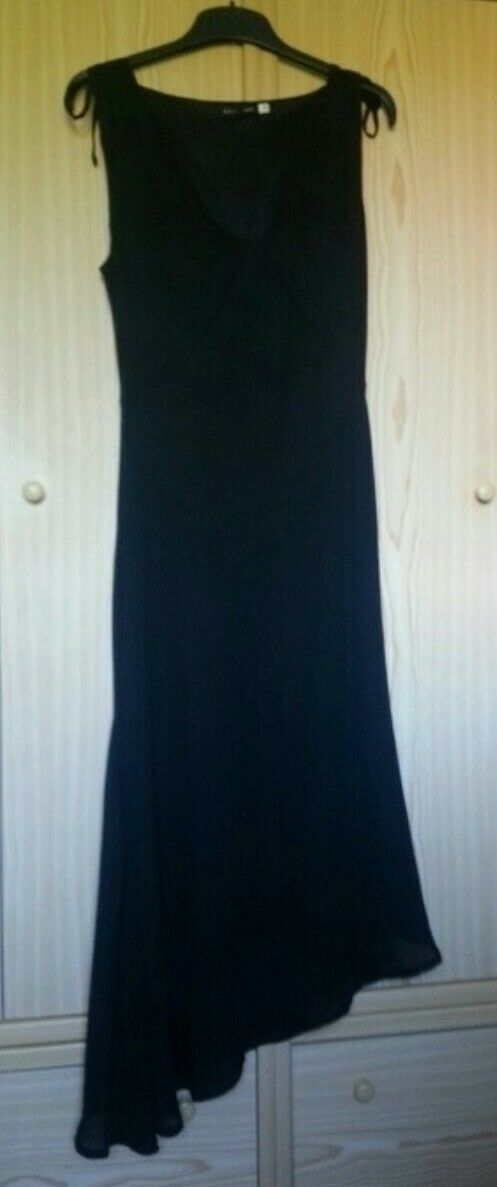 Damen Kleid Sasch Größe 40 M schwarz lang schräger Schnitt edel
