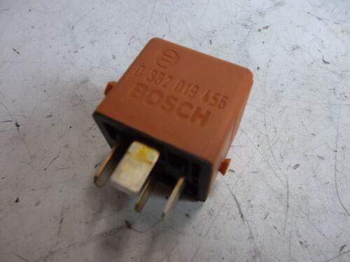 BMW E32 E34 E36 E39 E28 E23 E30 Relais orange Bosch 0332019456