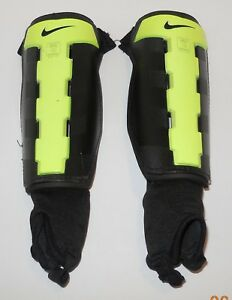 Nike Charge Youth Soccer Shin Guards Size M Medium Florescent Green