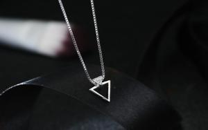 Kette 925 Silber mit Anhänger Dreieck 3 Zirkonia