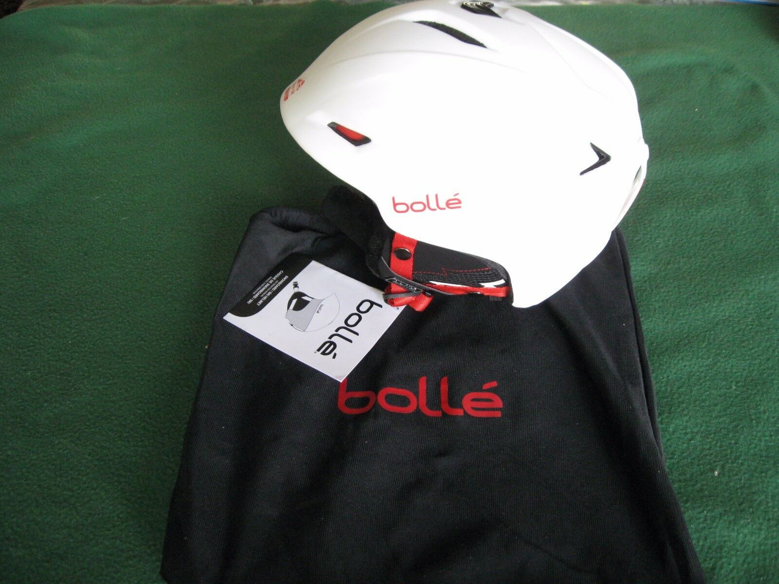 BOLLE SHARP SKI OR SNOWBOARD HELMET WITH BAG SOFT WHITE 58-61CM  BKW2-Y-1