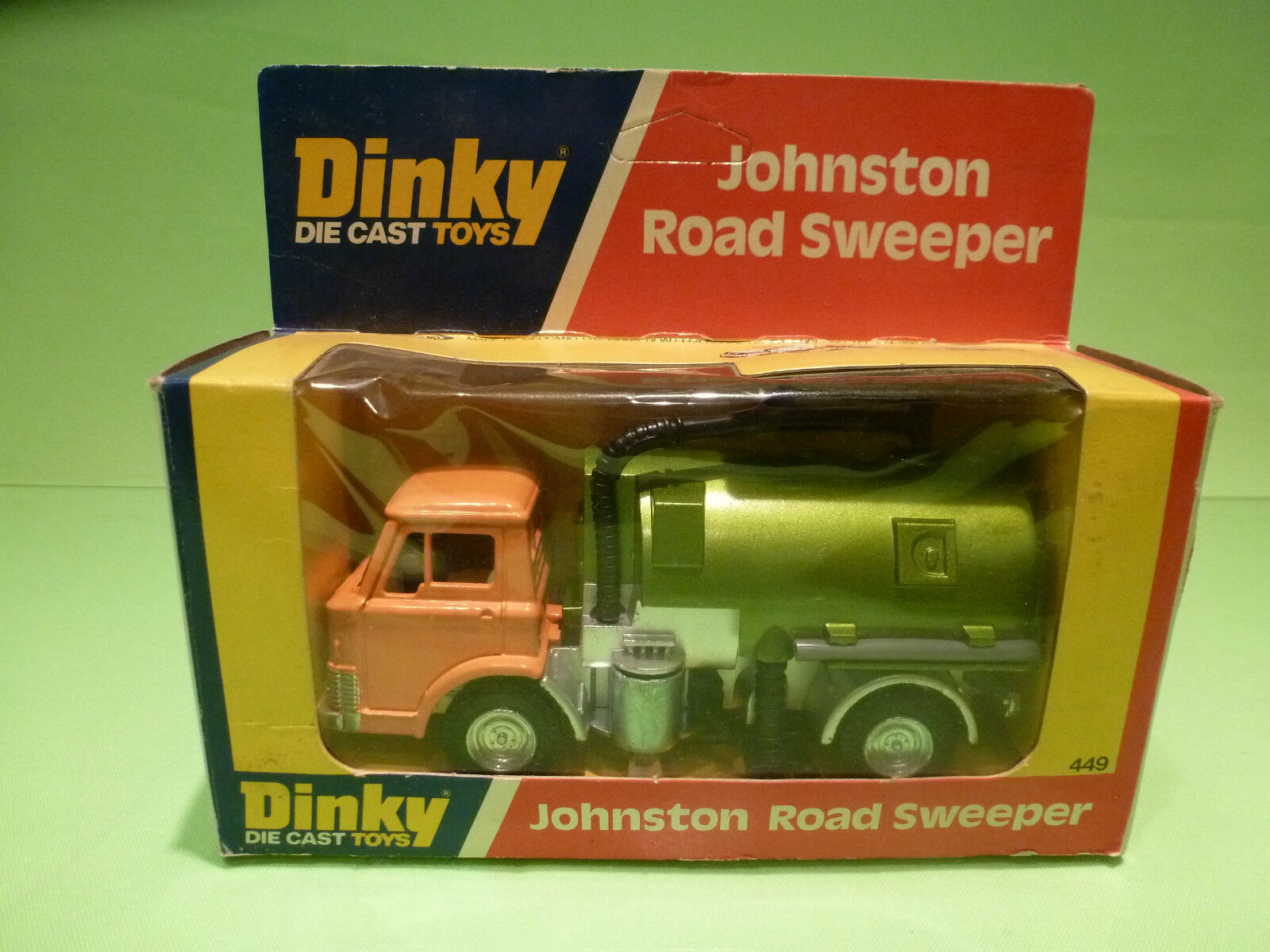 DINKY TOYS 449 JOHNSTON ROAD SWEEPER - RARE SELTEN - GOOD CONDITION IN BOX